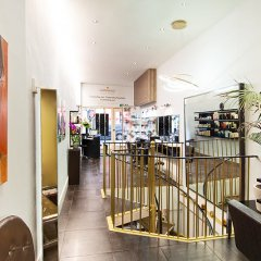 Salon AT GIANNASSO SALON IN LONDON'S WEST END